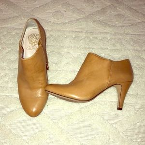 New Vince Camuto Leather heeled booties